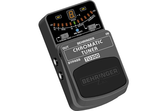 behringer tu300 chromatic guitar bass tuner pedal hr. Black Bedroom Furniture Sets. Home Design Ideas